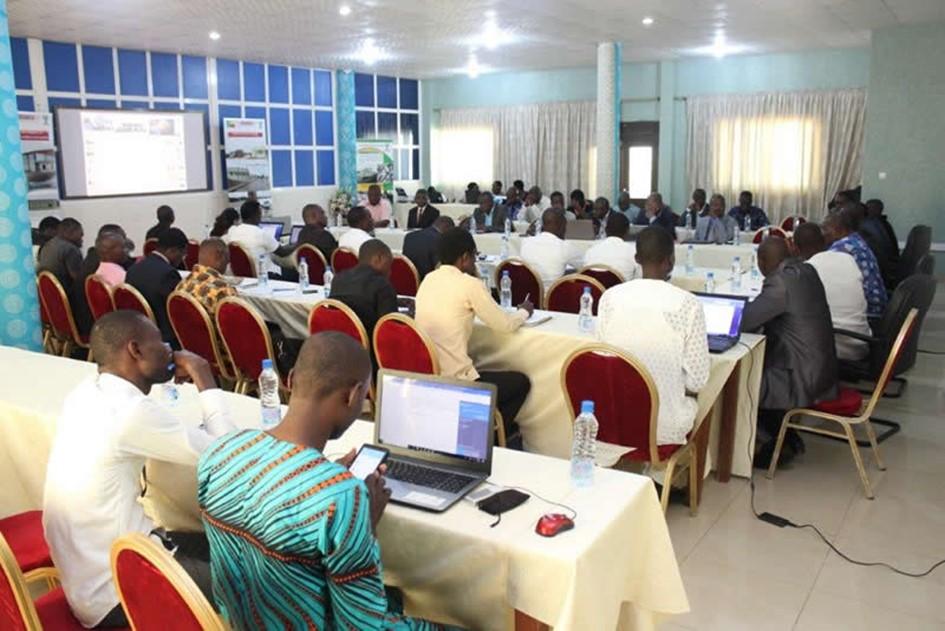 Réformes politiques programmes et projets de luemoa au bénin : le